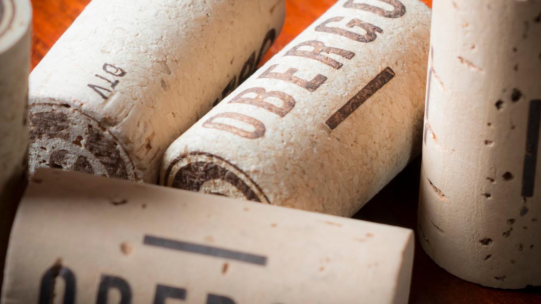 ¿Por qué se usa corcho en las botellas de vino?
